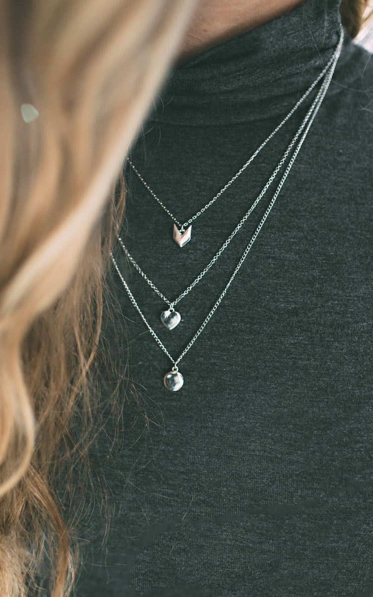Chevron Dainty Necklace - Silver