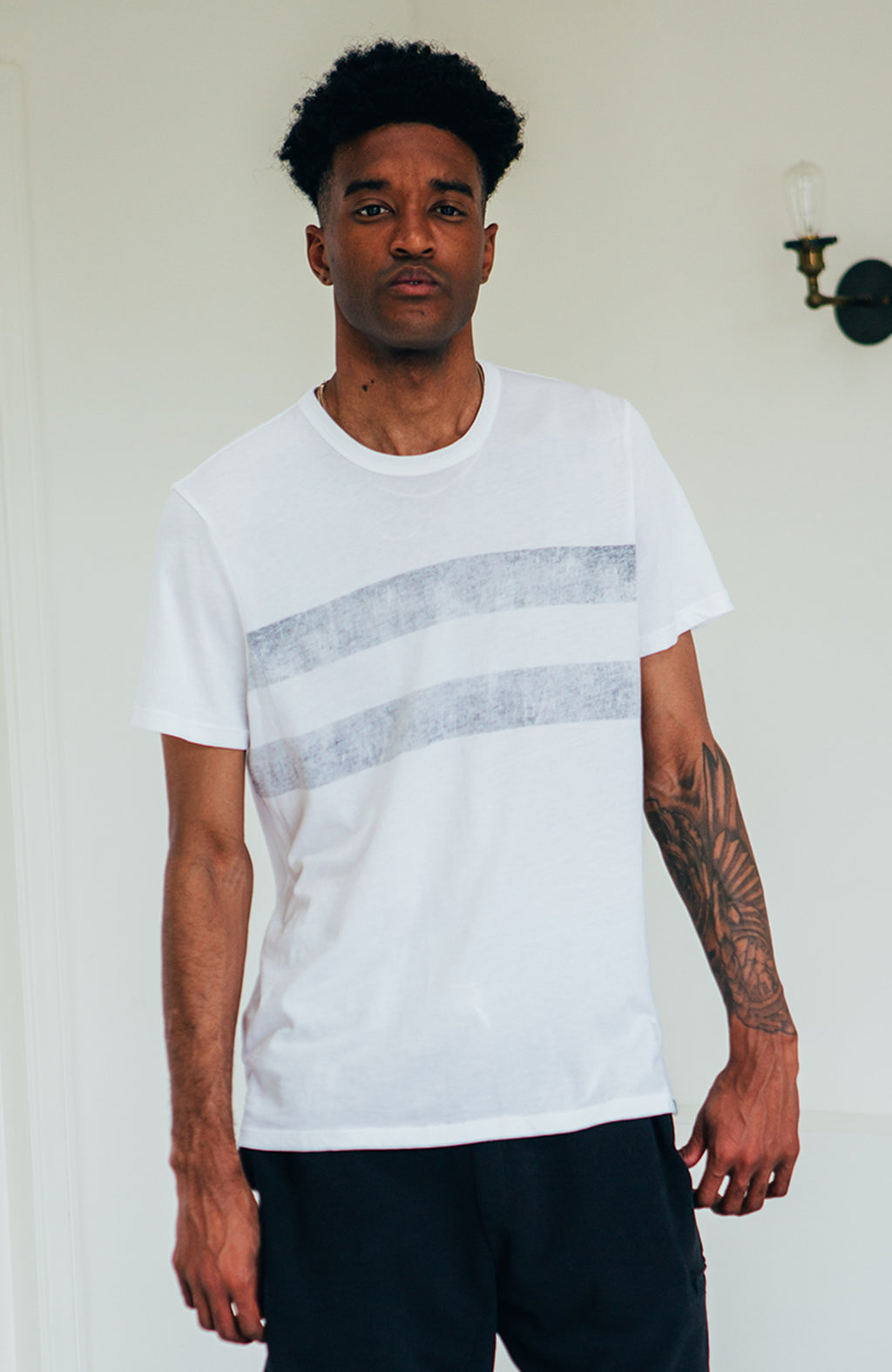 S/S Distressed Crew - White/Navy
