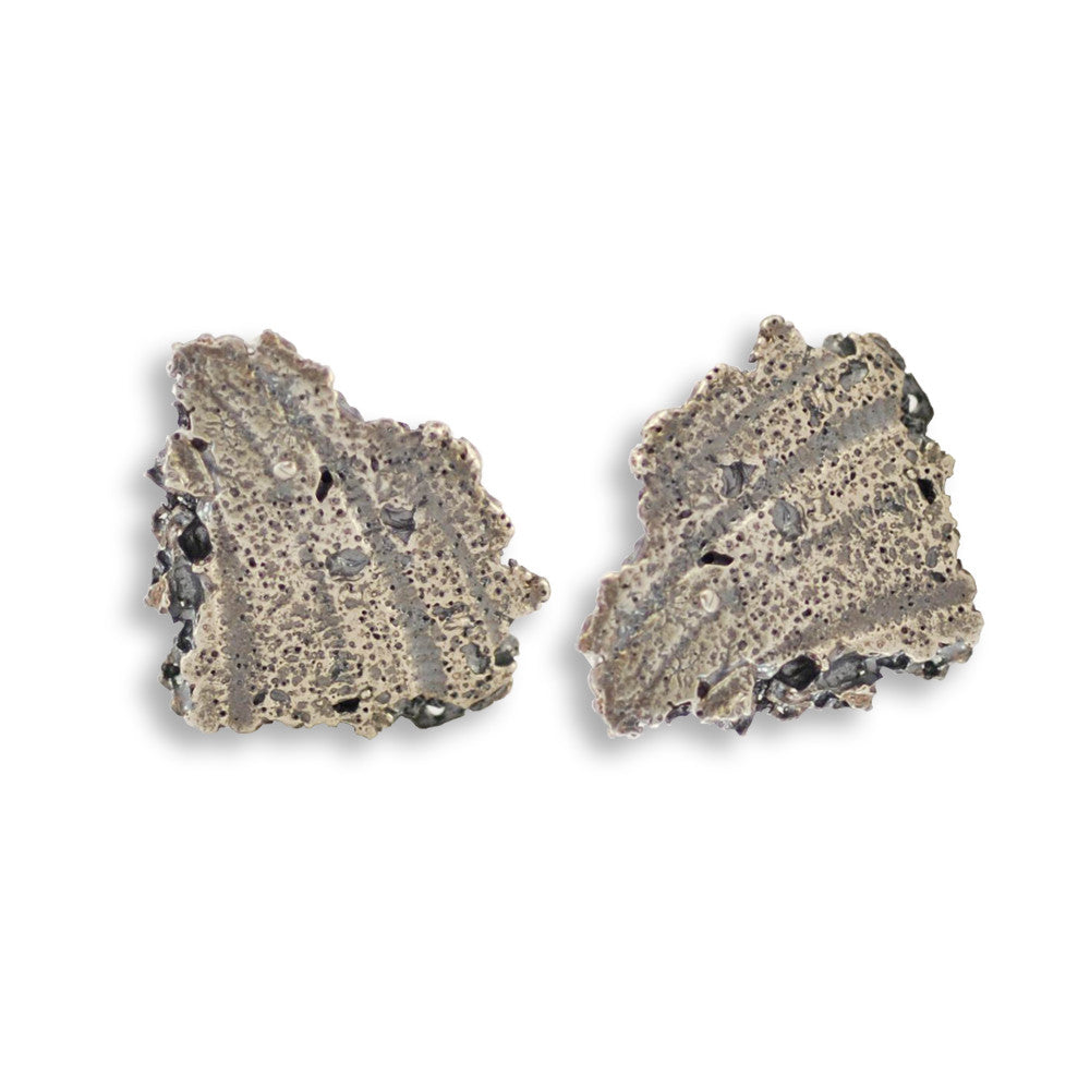 SILVER OXIDIZED ORGANIC ATOLL EARRING STUD