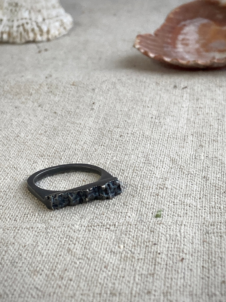 BOLD BARNACLE CAVE PAVE RING MINOR