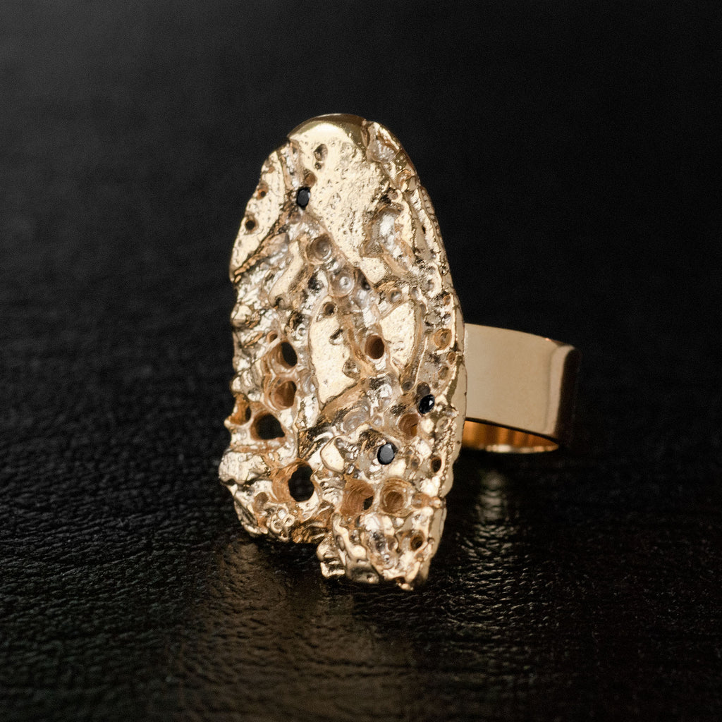Statement Gold Philia Shield Barnacle with Black Diamond Ring