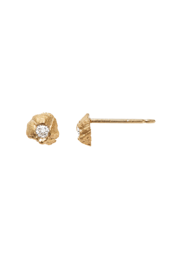 HILO DIAMOND STUDS