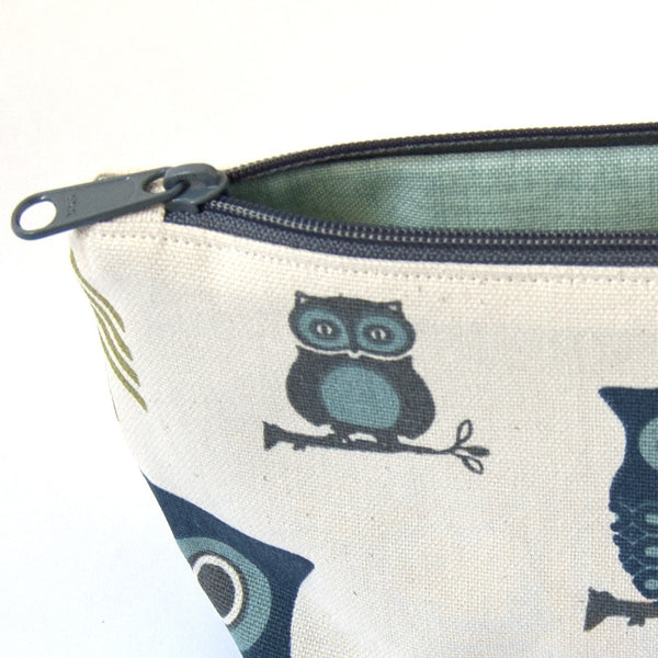 Hooty Blue Zipper Wristlet