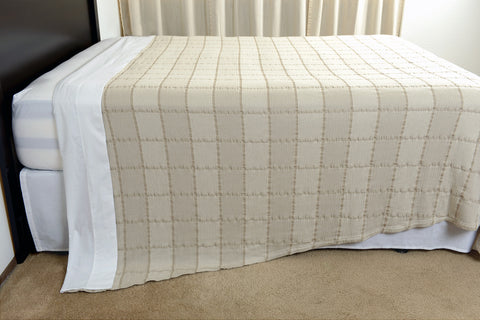 Abside oversized cotton blanket linen white side view hang excess comfort made in portugal