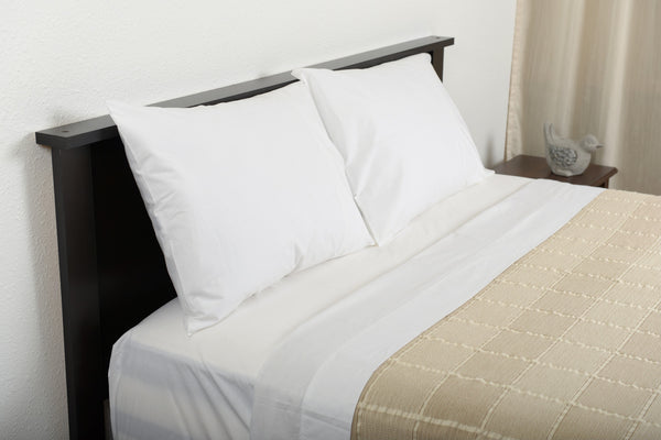 Excess comfort top side view classic percale cotton sheets white with abside cotton blanket linen white made in portugal