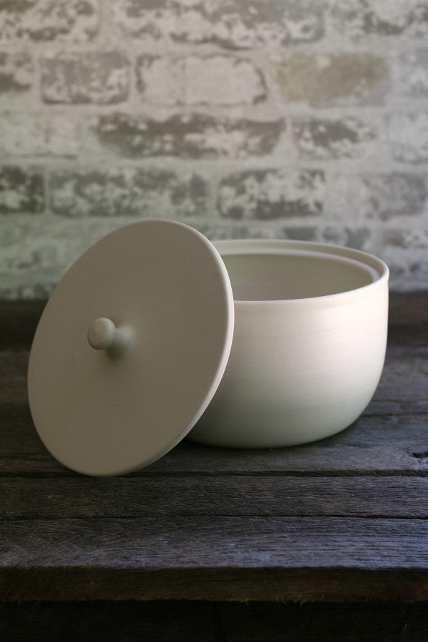 White Porcelain Ceramic Lidded Bowls