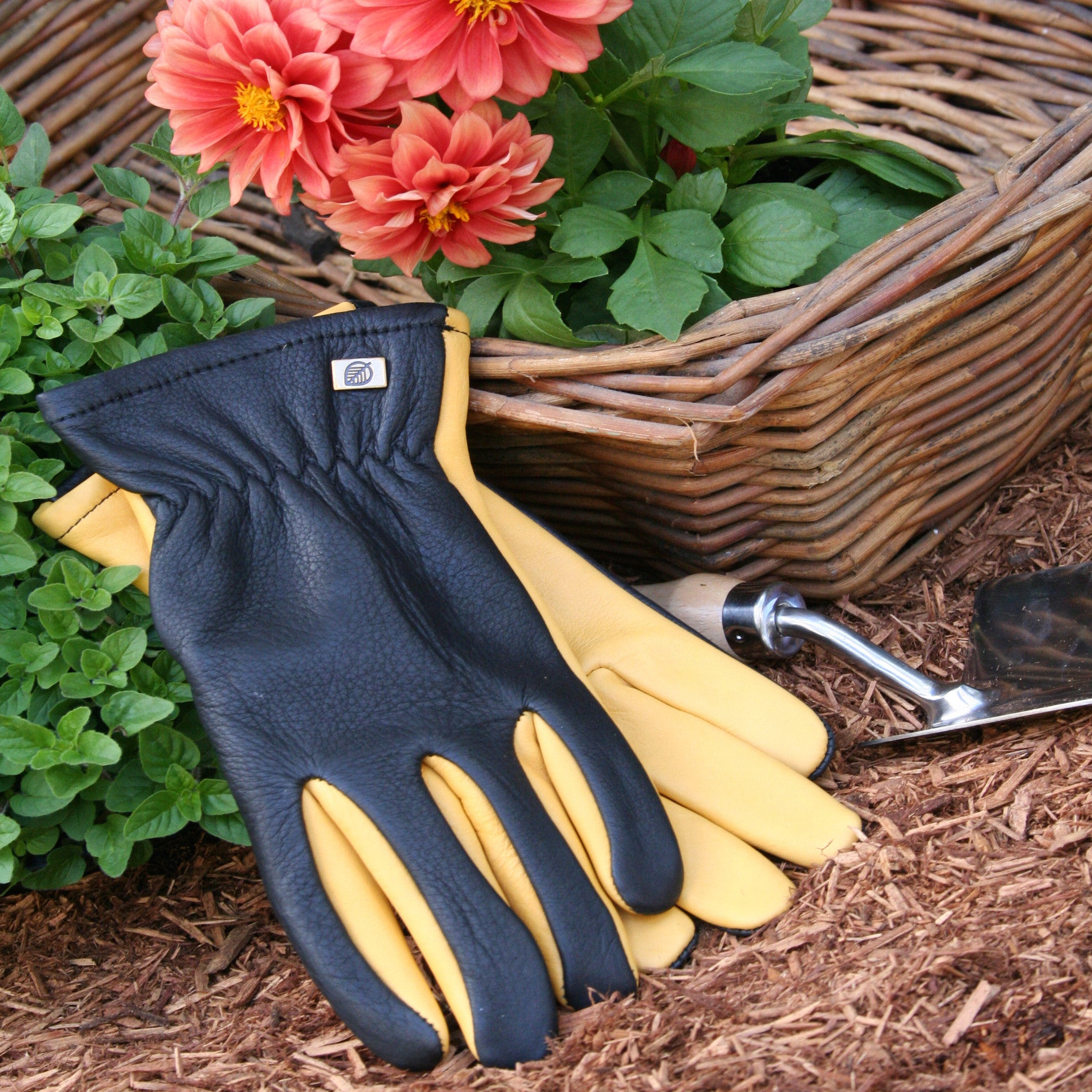 Gold Leaf Gloves - Dry Touch - The Potting Shed Garden Tools