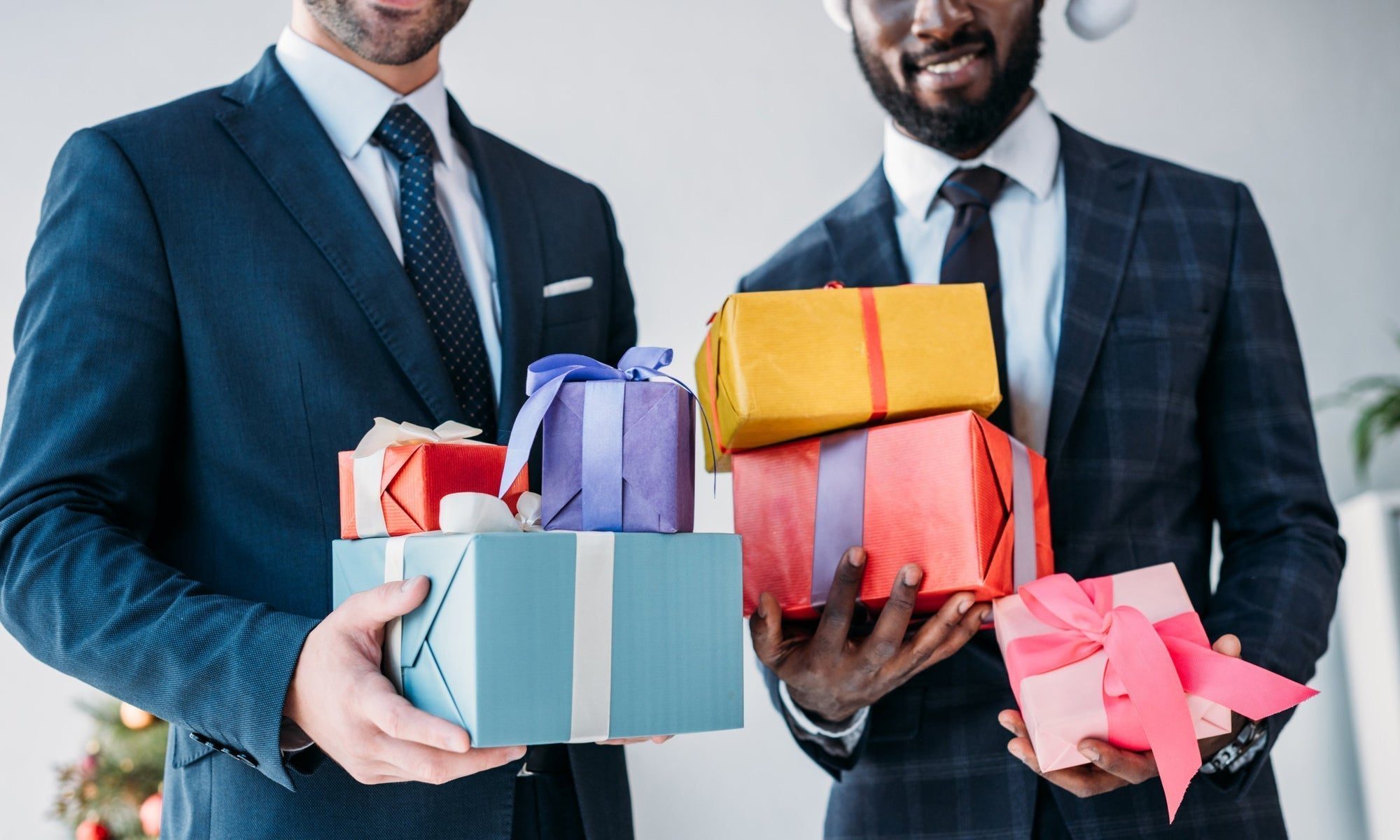 Your Comprehensive Guide to Buying Groomsmen Gifts
