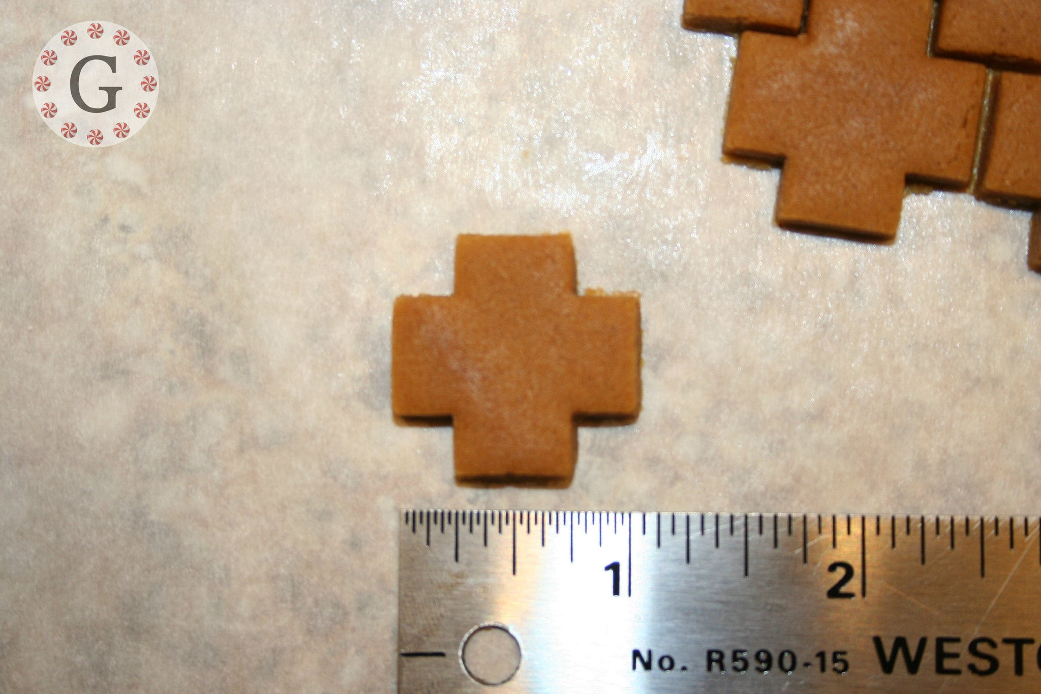 Small Cross 10-Count Cutter