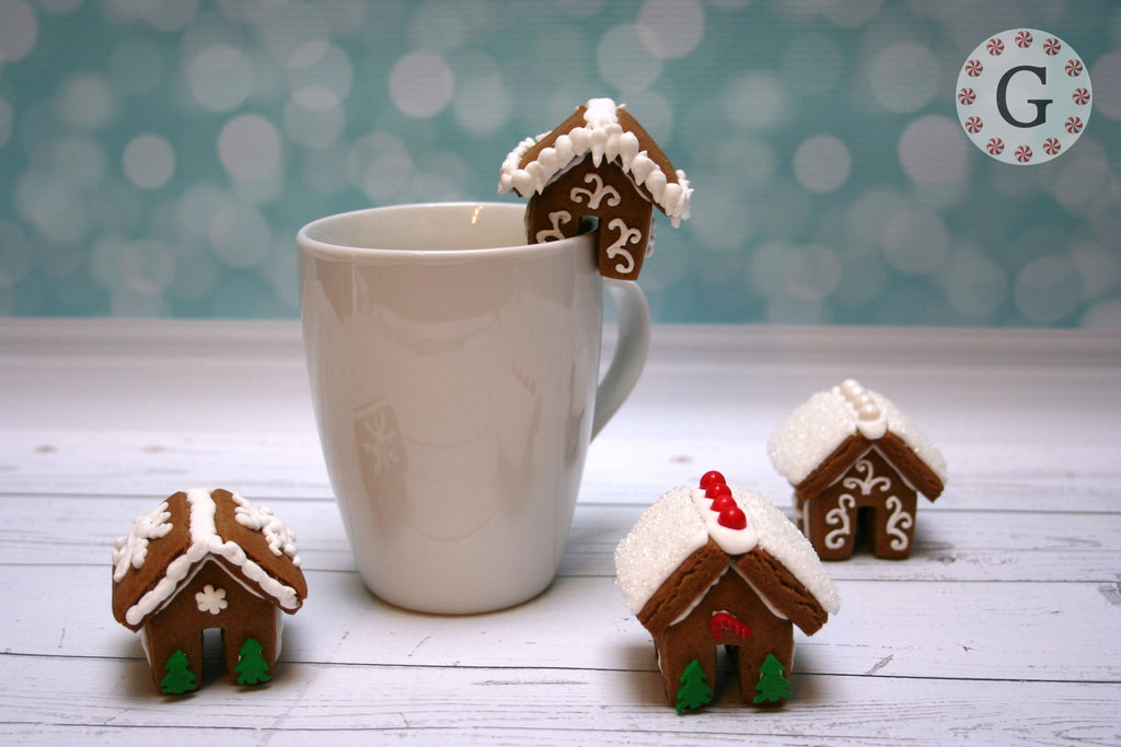Petite Gingerbread House Hugger Cutter