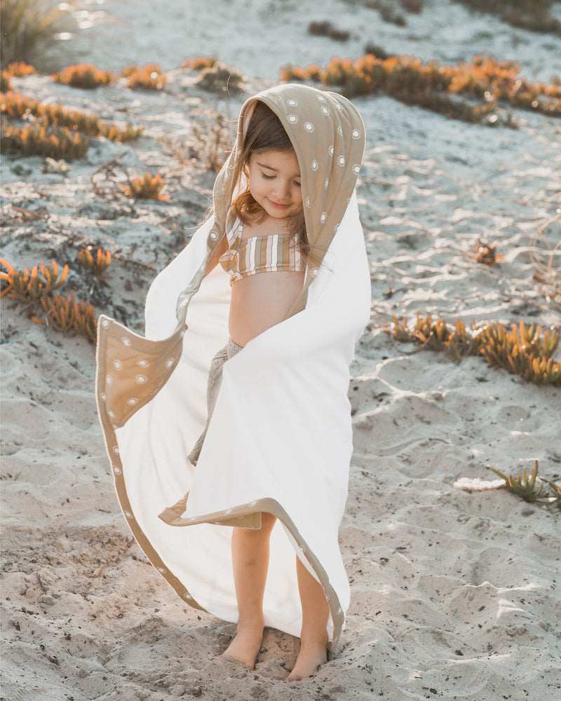hooded towel || suns - Rylee + Cru