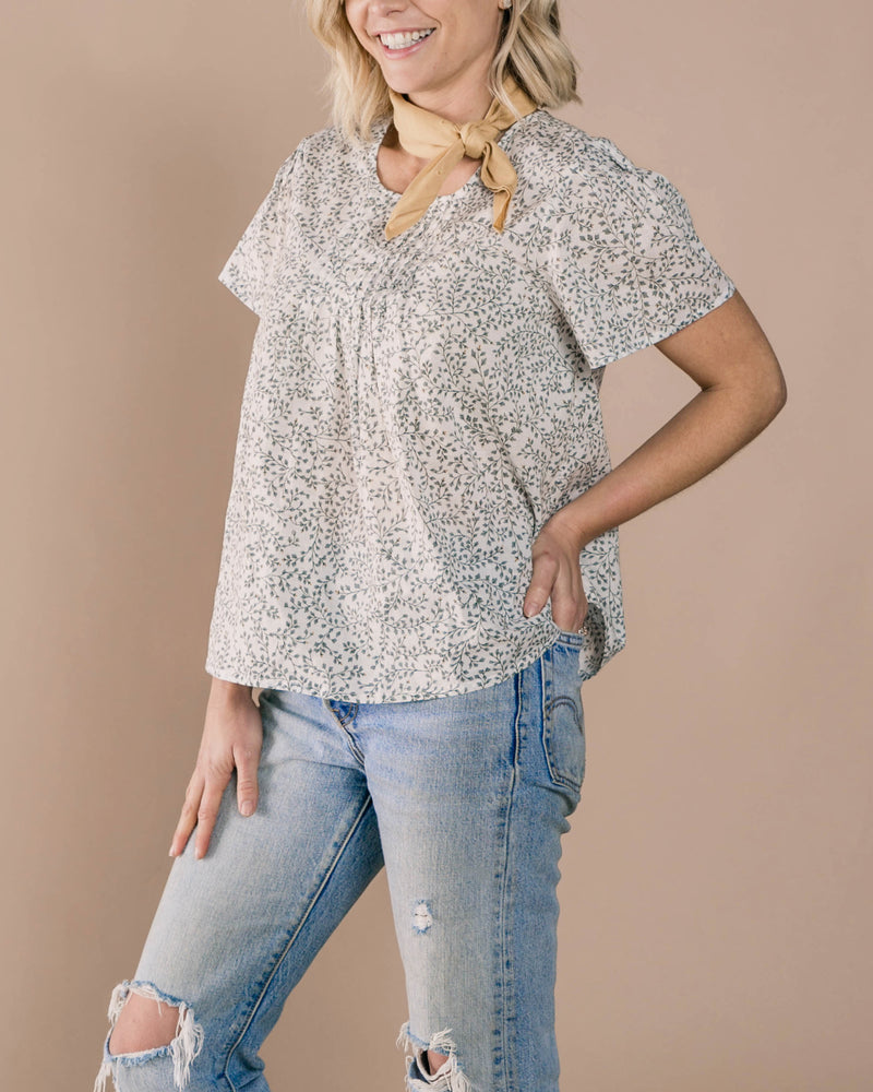 Dainty Leaves Blaire Blouse | Ivory - Rylee + Cru