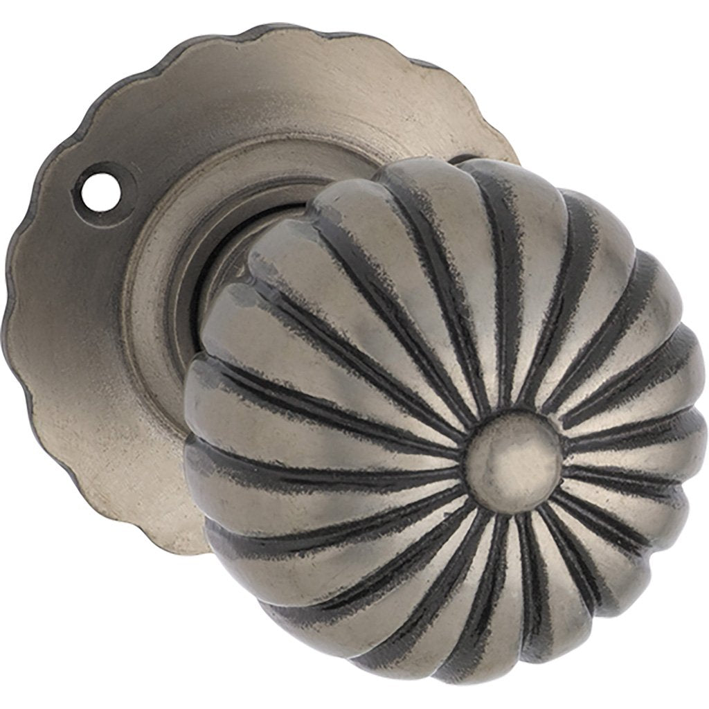 Iron Fluted Knob on Rose (Door Handle Set)
