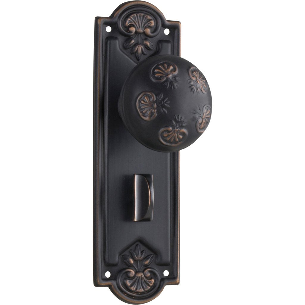 Nouveau Knob on Plate (Door Handle Set)