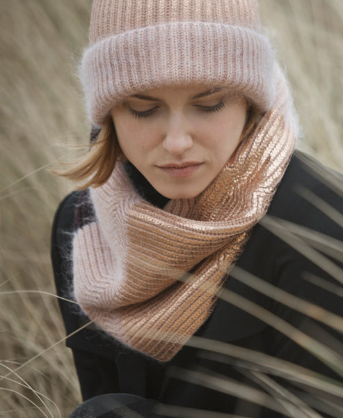 Metropolis snood - rose gold