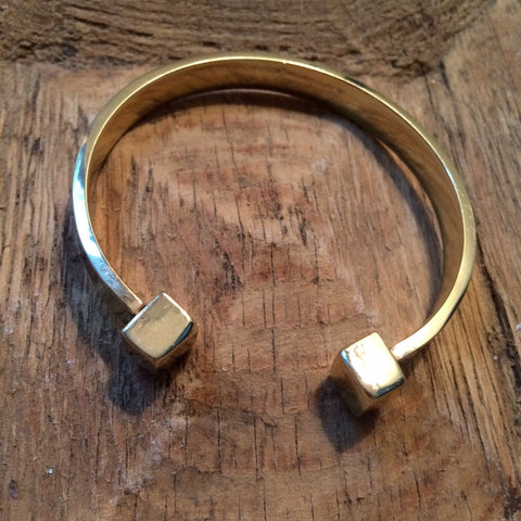 Gold boxes open bracelet