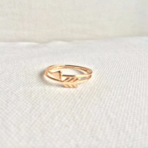 Arrow accent ring - Avail in gold