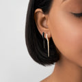 LOLA NEEDLE EARRING Small (Enamel: Black)