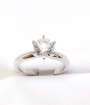 18kt White Gold Engagement Ring 0.90 ct.