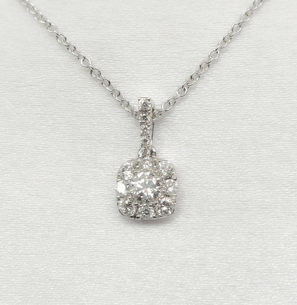 18kt. Diamond Halo Pendant