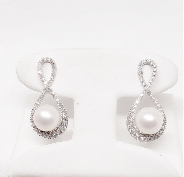 18kt. Infity Cubic Zirconia Pearl Earrings