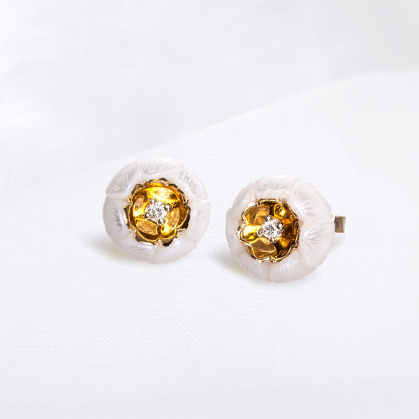 14K Yellow Diamond In Carved Daisy White Freshwater Pearl Earrings