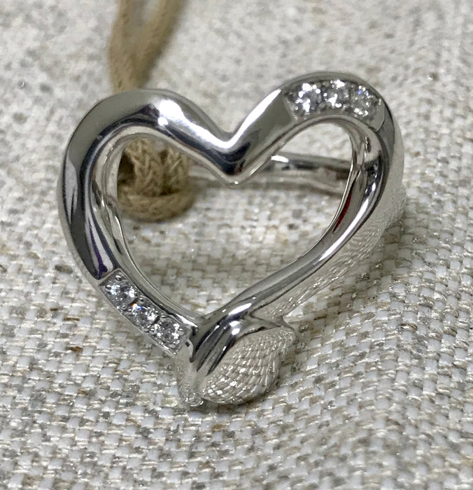 STRAIGHT TO THE HEART Ring