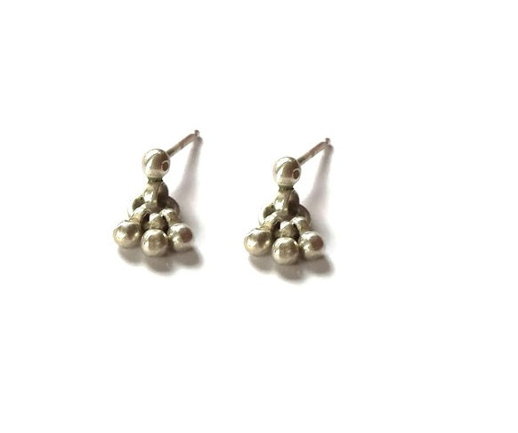 Ball charm dainty and minimalist dangle stud earrings - Silver 925