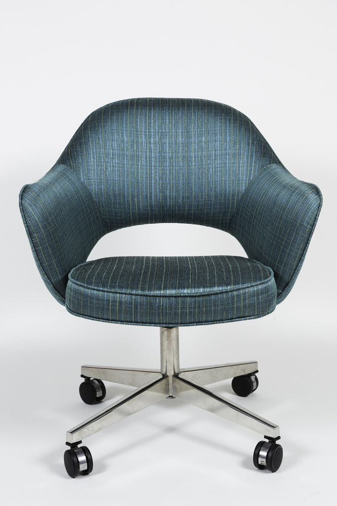 Vintage Saarinen Executive Swivel Armchair reupholstered in Turquoise Herman Miller fabric