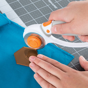 "Fiskars Squeeze Punch And Acrylic Template-1.5"" Hexagon"