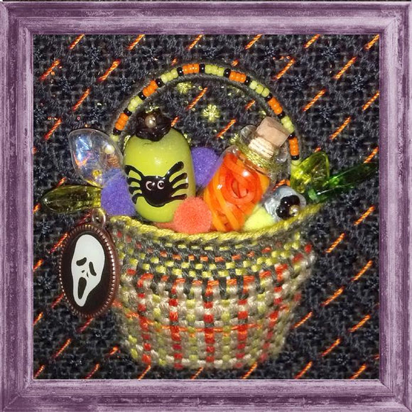 Kelly Clark Tiny Halloween Treats Basket Kit