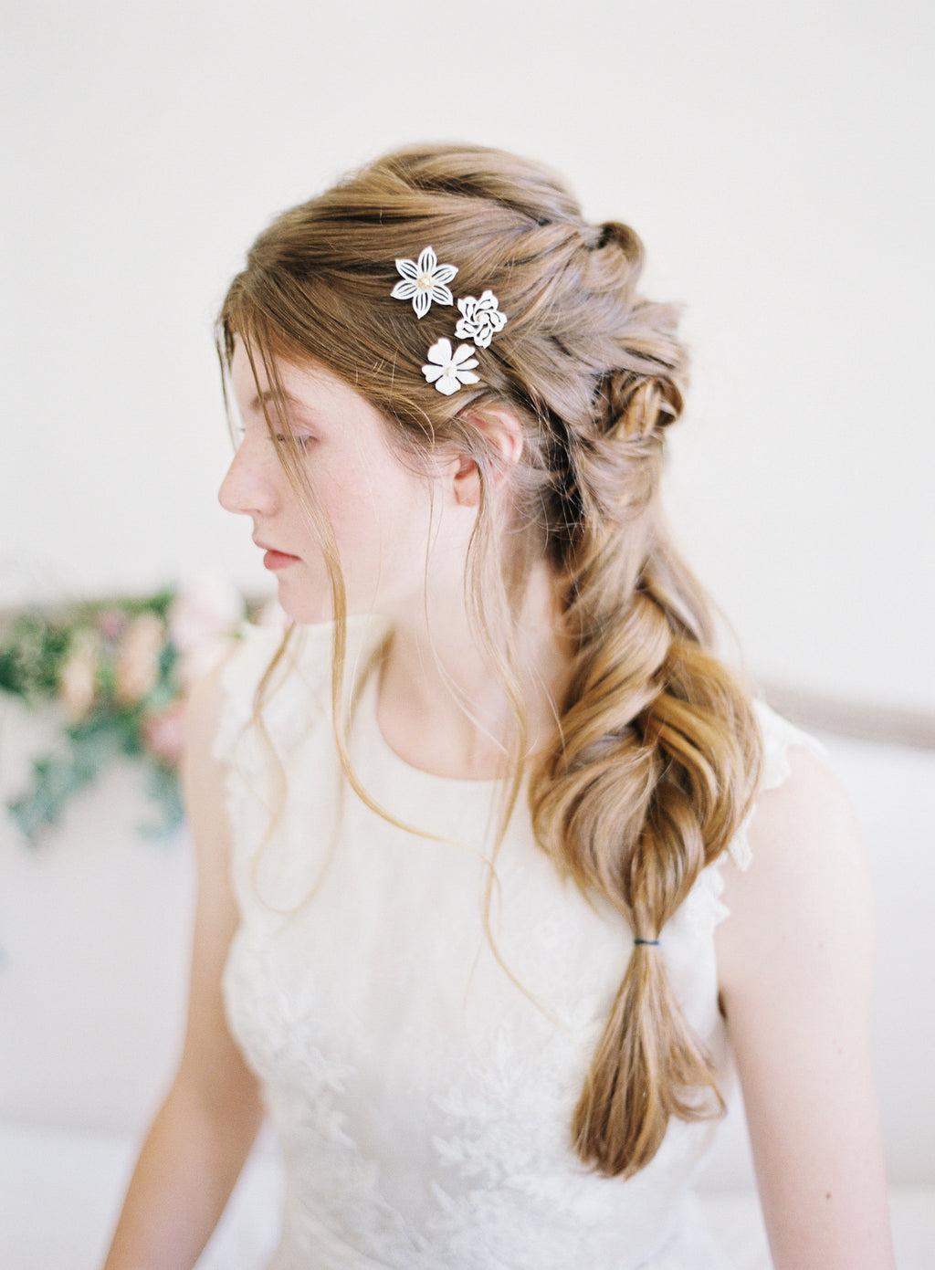 white flower hair pins