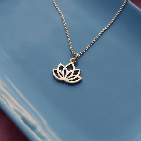 Nadi - Mini Lotus Necklace - Kurafuchi