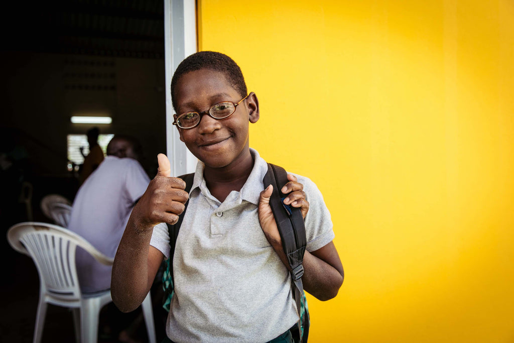 DIFF Eyewear and SVOSH Provide Eye Exams in Belize