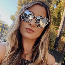 Shelli wearing the skylar clear leopard and grey mirror