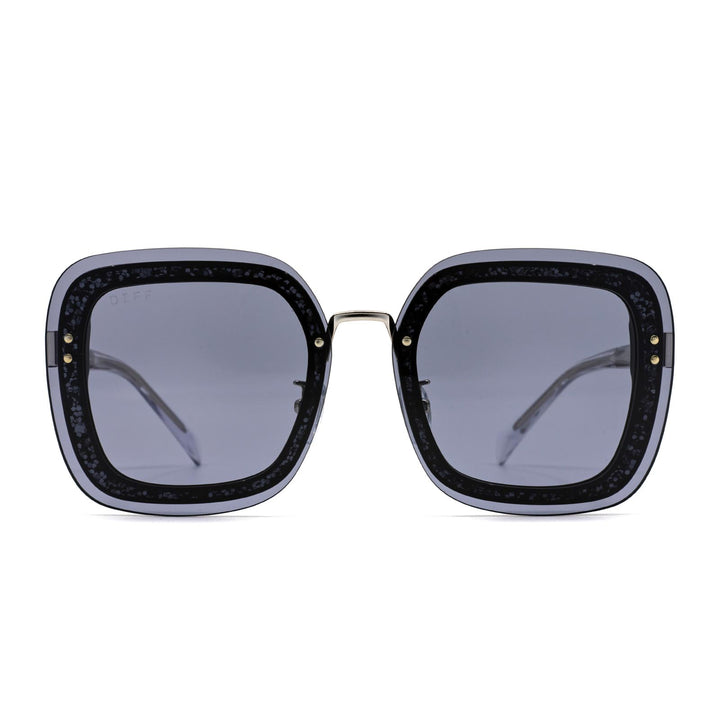 Gwen sunglasses with black frame and grey lens- front view