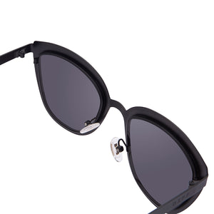 LILY - POLISHED BLACK + DARK SMOKE POLARIZED