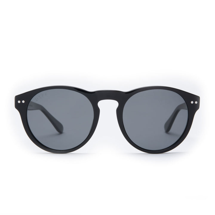 Cody sunglasses with black frames and grey polarized lens front view