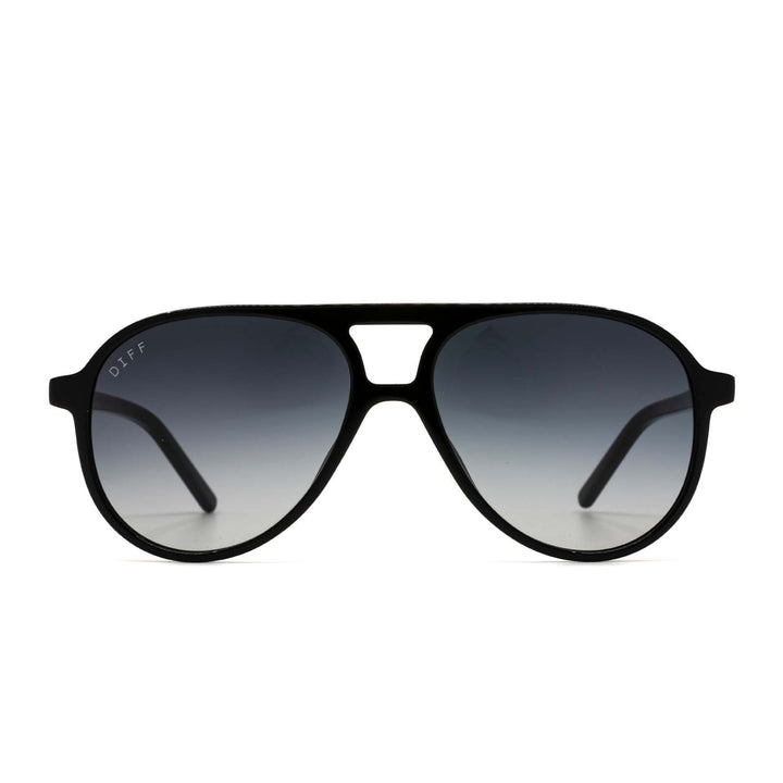 Jett sunglasses with black frames and grey gradient lens front view