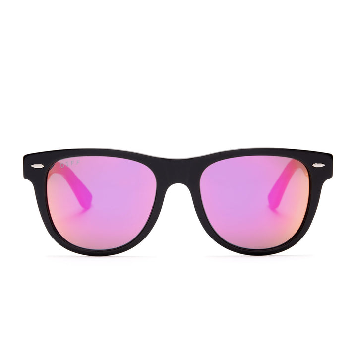 Kota sunglasses with black frames and red mirror lens front view