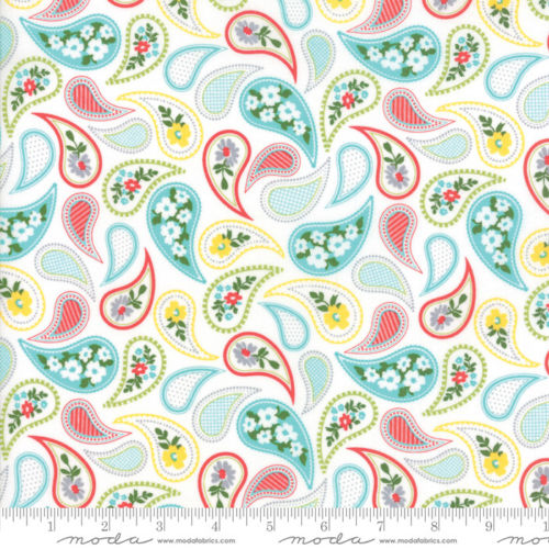 Mamas Cottage - April Rosenthal Floral Curtain Vanilla Blue Raspberry - 24052 24