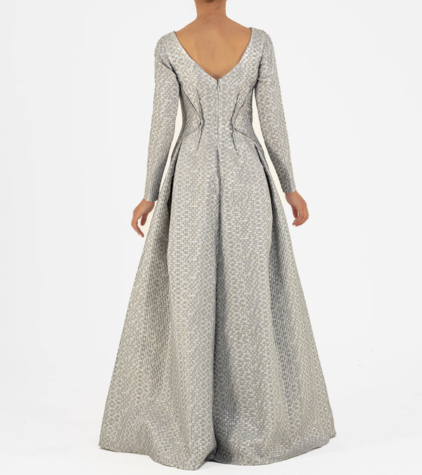 Open-dart detailed Jacquard Gown