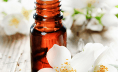 5 Hot Summer Facial Oils