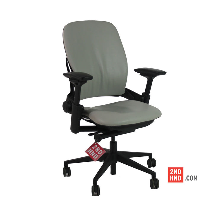 Steelcase Leap V2 chair with Aluminium Spider Base