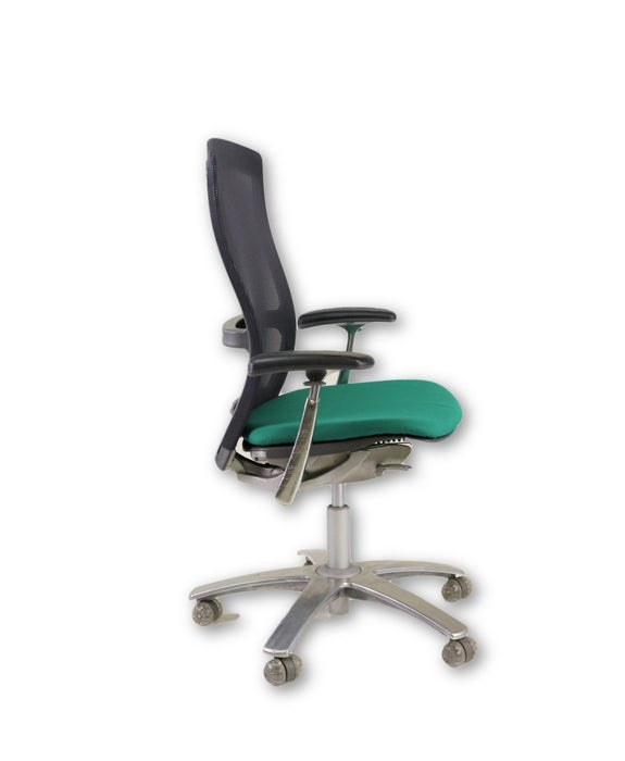 Knoll Life used chair New Green Seats