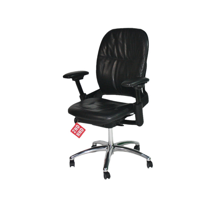 Steelcase Leap V1 Chair with chrome base in original black leather