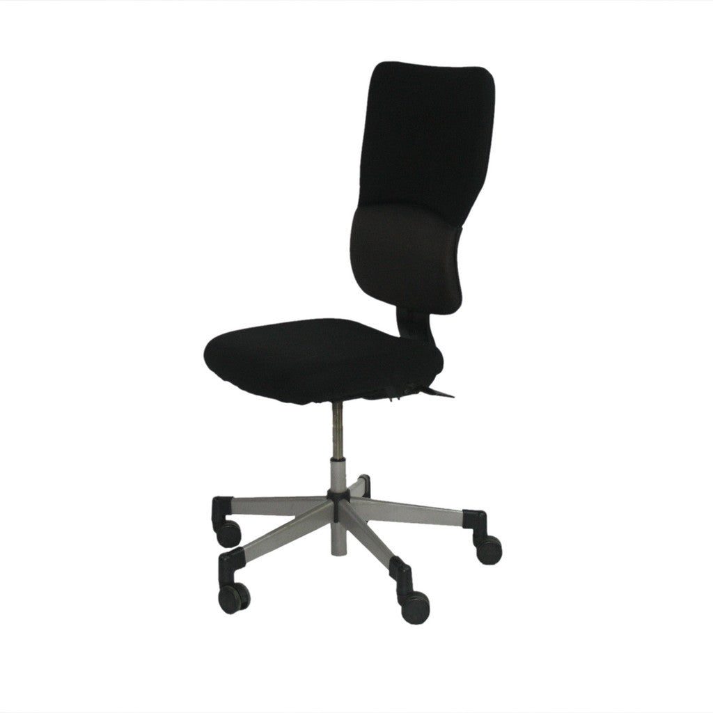 Steelcase Lets B Hi Back Task Chair With No Arms In Black Fabric