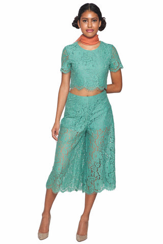 Delicate Lace Top - L'Atiste - Shop Fourmi  - Tops - Green blouse - Crop top - Floral lace - Green lace
