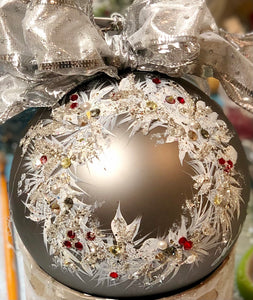 FROSTED WREATH -NATALIE SARABELLA