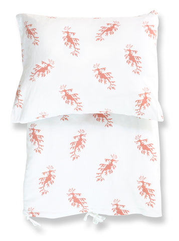 duvet set - leafy sea dragons pink